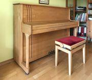 Klavier von Fa RÖNISCH mit