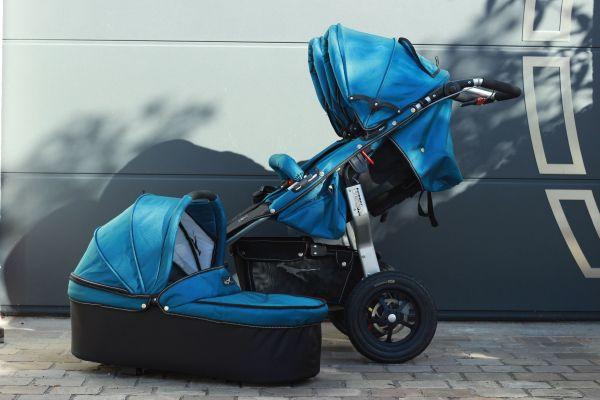 Zwillingswagen / Geschwisterwagen von TFK mit 1 Babywanne