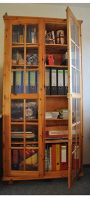 buecherschrank mit glastueren haushalt m bel gebraucht und neu kaufen. Black Bedroom Furniture Sets. Home Design Ideas