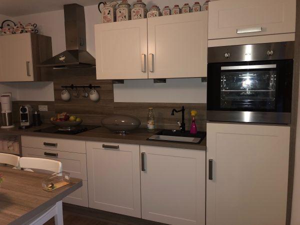 Küche - Gießen Innenstadt - Die Küche ist kaum gebraucht. 3 Jahre alt. Länge 3,42m Breite 0,60 m - Gießen Innenstadt
