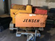 Jensen A328 Holzhäcksler