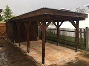 Holz-Carport mit angebautem Gartenhaus