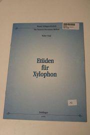ETUEDEN FUER XYLOPHON Gebundene Ausgabe -