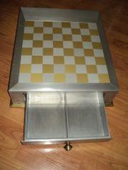 Schachbrett/Tisch, Einzelstück,