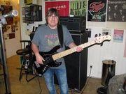 Bassist sucht Coverrockband
