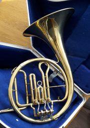 Altes Horn in Es zu