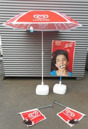 XXL Sonnenschirm - Eis Werbeschild Werbeaufsteller