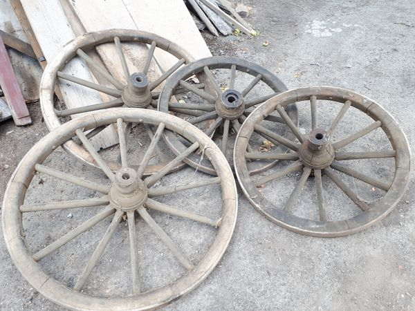 Alte Wagenräder kaufen / Alte Wagenräder gebraucht - dhd24.com