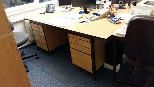 Büromöbel Schreibtische gebraucht zur Abholung, auch einzeln in ...