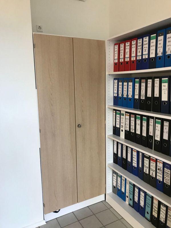 Büroschrank abschließbar  Neuwertiger Büroschrank, abschließbar in Lauf - Büromöbel kaufen und ...