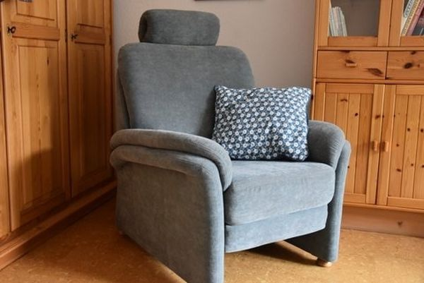 Sessel Mit Relaxfunktion ~ Tv sessel mit relaxfunktion und verstellbarer kopfstütze in