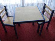 Kindertisch mit 2