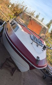 Sportboot Mit Kabine