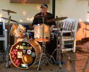 Biete erfahrenen Drummer