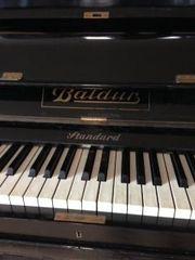 Klavier Marke Baldur