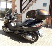 Gepflegte Suzuki Burgmann 400