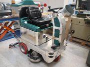 Reinigungsgerät Aufsitz-Scheuersaugmaschine zu verkaufen