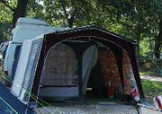 Großes Camping-Busvorzelt